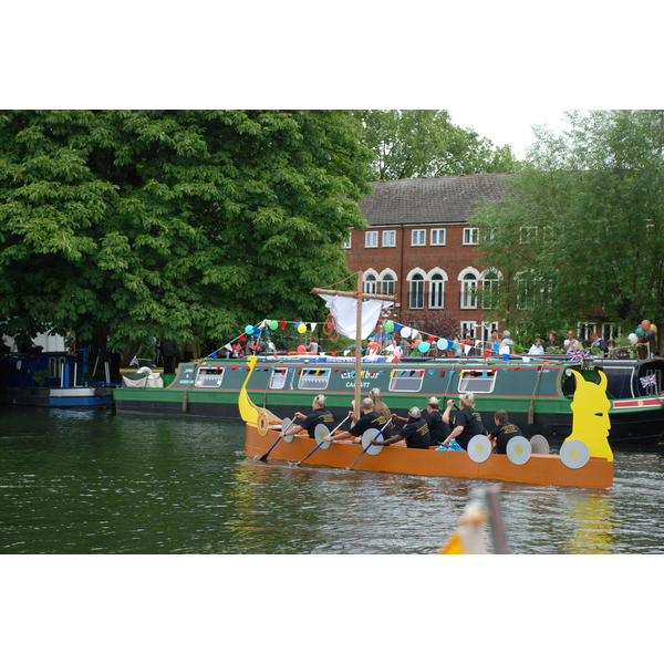 A dragon boat team at the Bedford River Festival